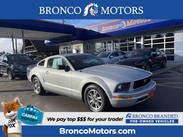 2005 Ford Mustang 2dr Cpe Premium SILVER