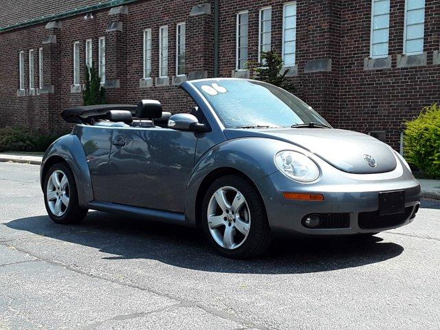 2006 Volkswagen New Beetle Convertible 2dr 2.5L Auto PLATINUM
