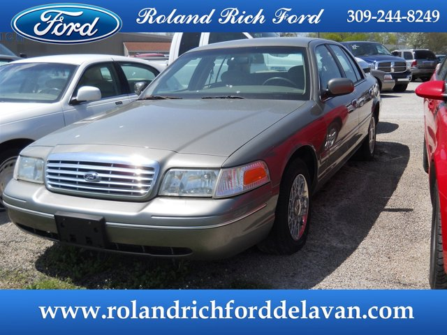 2003 Ford Crown Victoria 4dr Sdn Standard ARIZONA BEIGE METALLI
