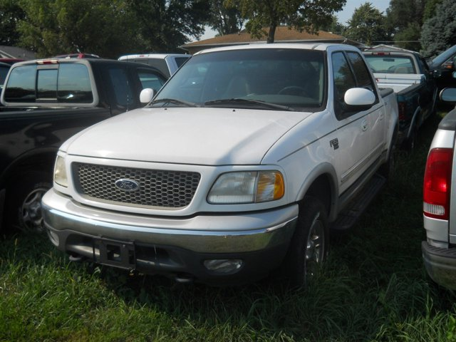 "2001 Ford F-150 SuperCrew Crew Cab 139"" XLT 4WD OXFORD WHITE"