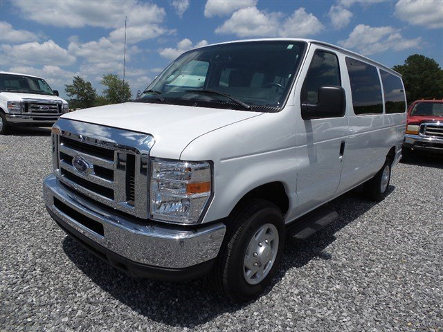 2014 Ford Econoline Wagon OXFORD WHITE Intermittent Wipers
