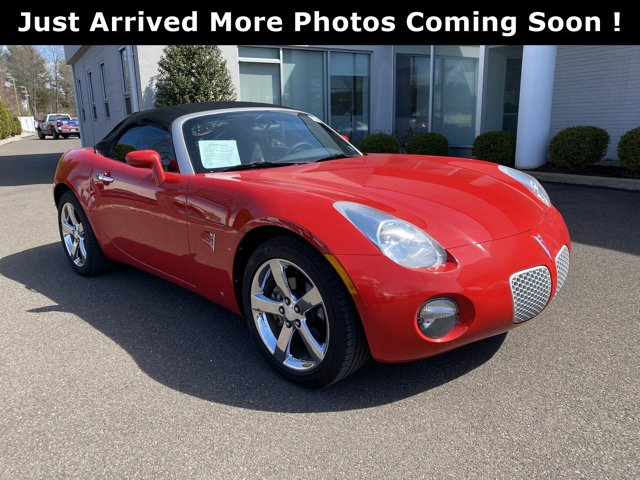 2007 Pontiac Solstice 2dr Convertible AGGRESSIVE (VICTORY RED)