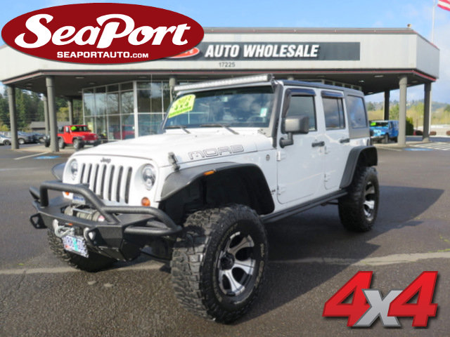 2013 Jeep Wrangler Unlimited 4WD 4dr Moab WHITE