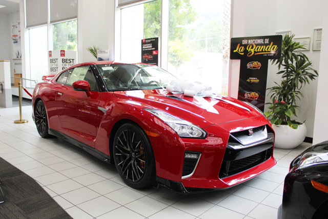 2020 Nissan GT-R Premium AWD SOLID RED