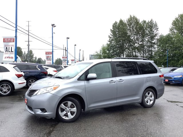 2012 Toyota Sienna 5dr 7-Pass Van V6 LE FWD Bluetooth Connectio