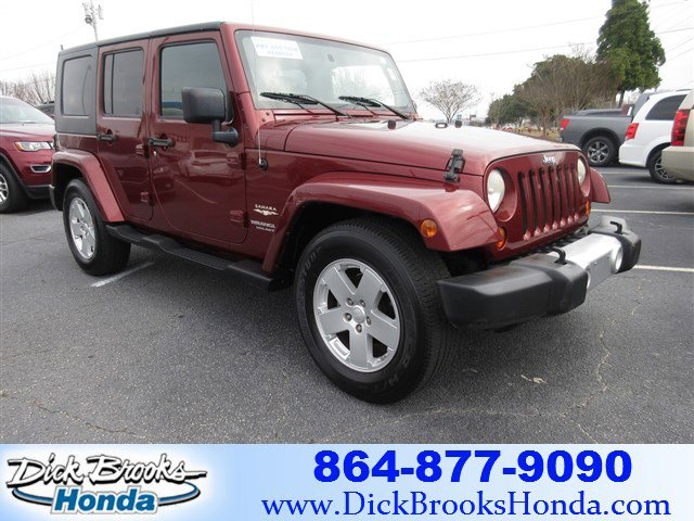 2008 Jeep Wrangler RWD 4dr Unlimited Sahara RED ROCK CRYSTAL