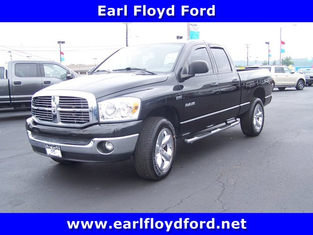 "2008 Dodge Ram 1500 4WD Quad Cab 140.5"" SLT BRILLIANT BLACK"