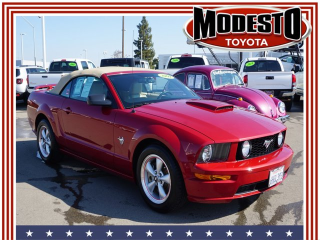 2009 Ford Mustang 2dr Conv GT Premium RED