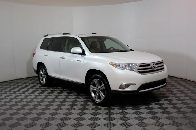 2011 Toyota Highlander 4WD 4dr V6 Limited WHITE