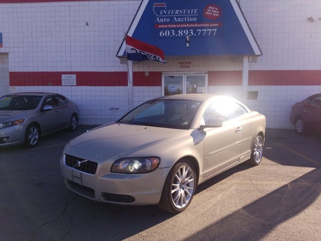 2006 Volvo C70 2.5L Turbo Auto TAN