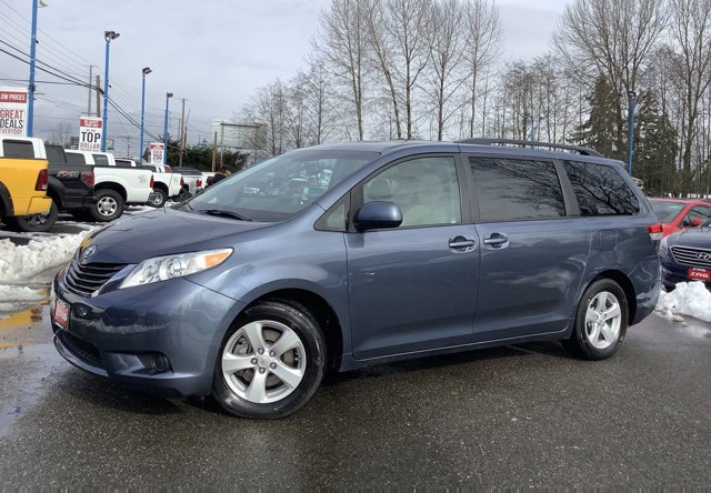 2014 Toyota Sienna 5dr 8-Pass Van V6 LE FWD Back-Up Camera