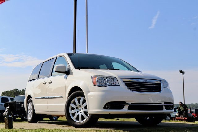 2013 Chrysler Town & Country 4dr Wgn Touring STONE WHITE