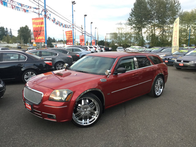 2005 Dodge Magnum 4dr Wgn SE RWD INFERNO RED CRYSTAL PEARL