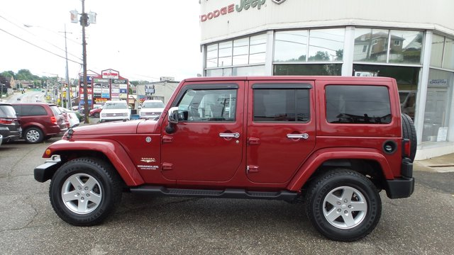 2012 Jeep Wrangler Unlimited 4WD 4dr Sahara DEEP CHERRY RED