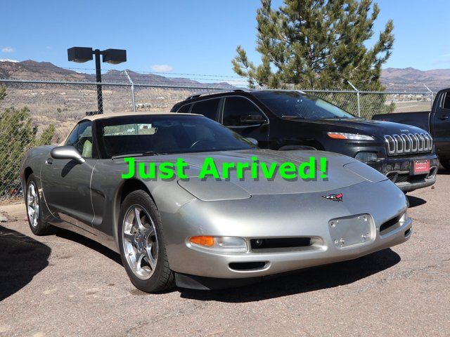 2002 Chevrolet Corvette 2dr Convertible LIGHT PEWTER METALLIC