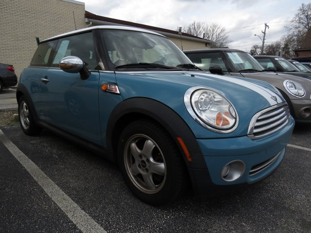 2009 MINI Cooper Hardtop 2dr Cpe BLUE AM/FM Stereo AM/FM radio