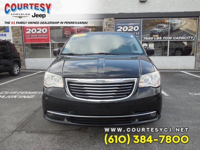 2012 Chrysler Town & Country 4dr Wgn Touring BRILLIANT BLACK