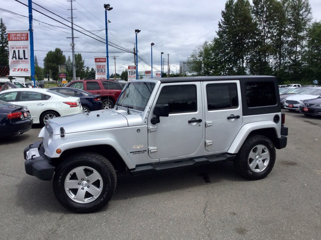 2011 Jeep Wrangler Unlimited 4WD 4dr Sahara BRIGHT SILVER