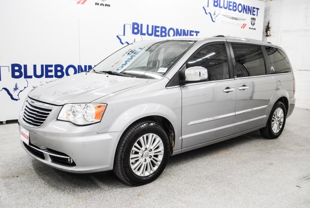 2013 Chrysler Town & Country 4dr Wgn Limited BILLET SILVER