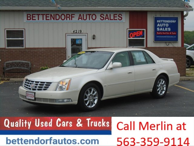 2008 Cadillac DTS 4dr Sdn w/1SB WHITE DIAMOND TRICOAT