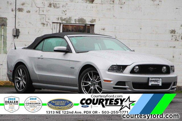 2014 Ford Mustang 2dr Conv GT Premium AM/FM radio: SiriusXM