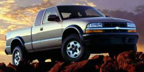 "2002 Chevrolet S-10 Ext Cab 123"" WB SUMMIT WHITE"