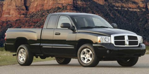 "2005 Dodge Dakota 2dr Club Cab 131"" WB 4WD Laramie GOLD"