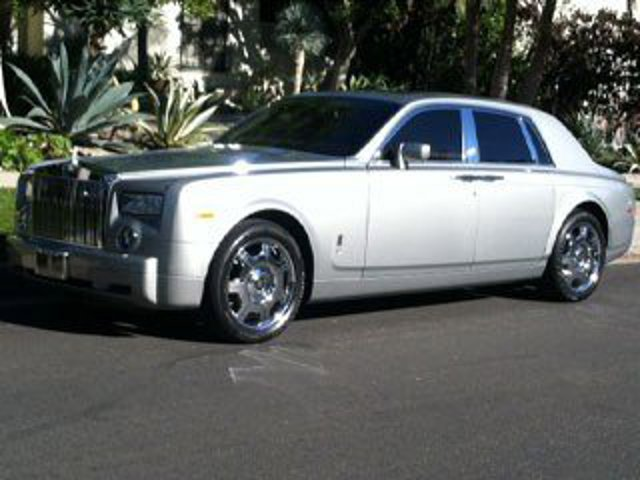 Location: Anaheim, CA2006 Rolls-Royce Phantom Base in Anaheim, CA