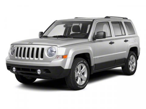 2013 JEEP Patriot 4x4 Sport 4dr SUV Black side roof rails Deep tint sunscreen glass Solar control