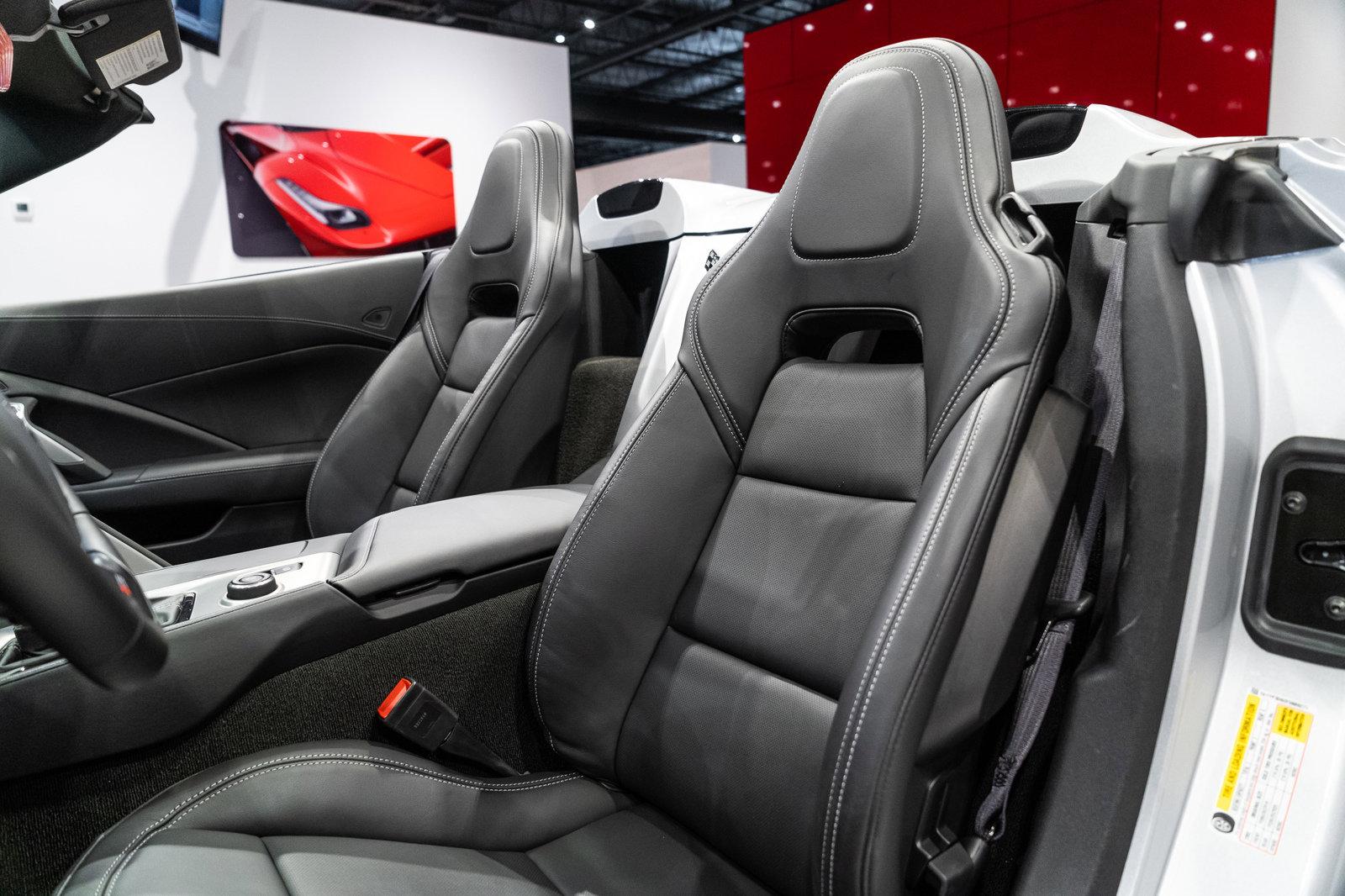 Pre-Owned 2015 Chevrolet Corvette Z06 1LZ