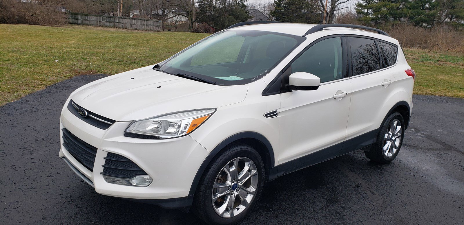 Special - 2014 FORD ESCAPE SE--$11,995--#9947AT