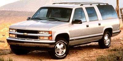 1999 GMC Suburban SLT 4wd 2500 Four Wheel Drive Tow Hooks Tires - Front All-Season Tires - Rear