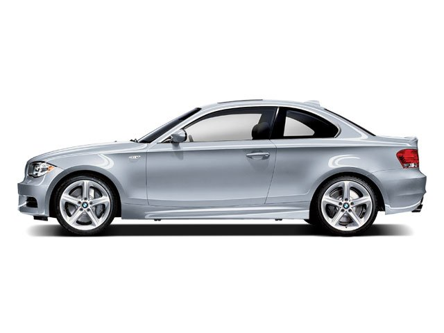 2009 BMW 1 Series 135i COLD WEATHER PKG  -inc rear through-loading system wski bag  heated front