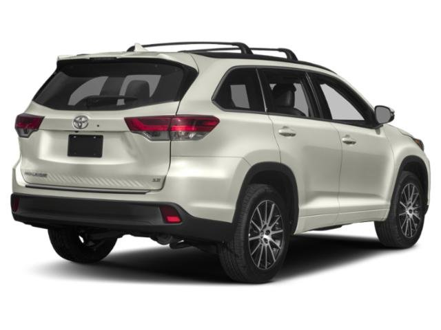 New 2019 Toyota Highlander in Albany, CA
