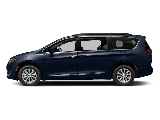 2018 Chrysler Pacifica Limited Mini-van, Passenger