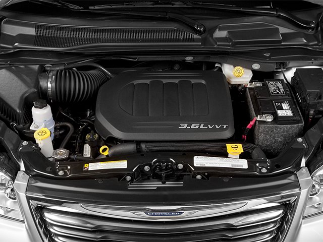 2014 Chrysler Town & Country Touring 13