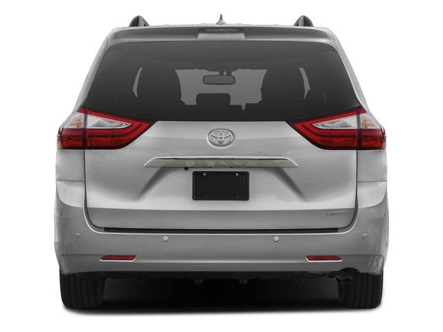2016 Toyota Sienna XLE 3