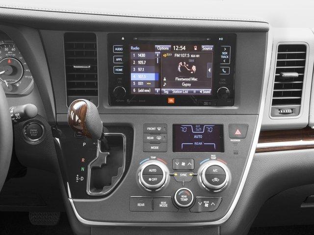 2016 Toyota Sienna XLE 8