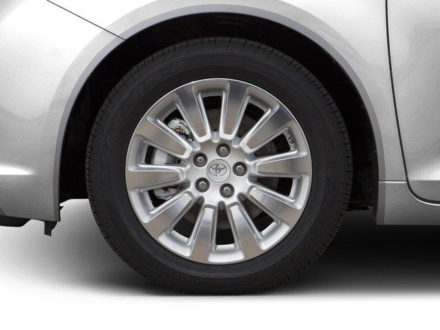 2016 Toyota Sienna XLE 9