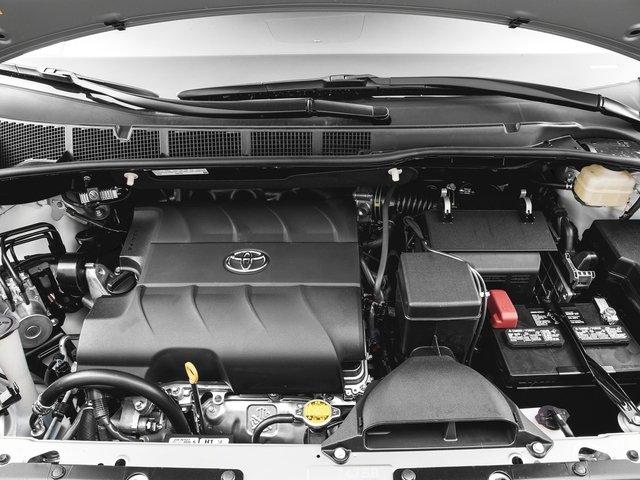 2016 Toyota Sienna XLE 11