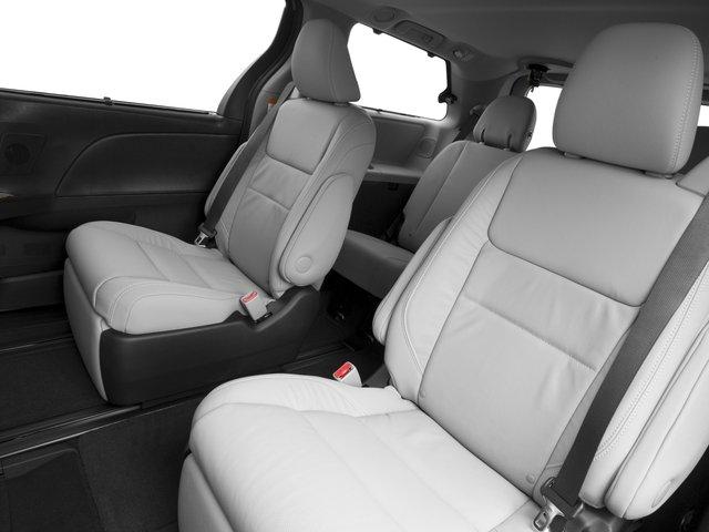 2016 Toyota Sienna XLE 12