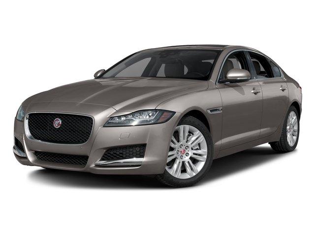 2017 Jaguar XF 35t Premium 35t Premium RWD Intercooled Supercharger Premium Unleaded V-6 3.0 L/183 [0]