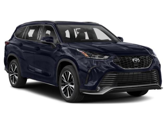 New 2021 Toyota Highlander in Burlingame, CA