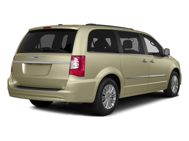 2014 Chrysler Town & Country Touring 1