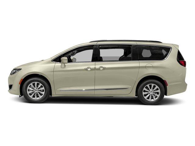 2017 Chrysler Pacifica Touring-L 21205 miles VIN 2C4RC1BG2HR688051 Stock  1743376703 25709